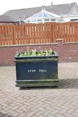 lynn toll flower pots (gordonjc) Tags: scotland lynn toll roads dalry ayrshire kilwinning northayrshire garnockvalley