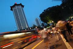 Singapore is a FINE country (Filan) Tags: kiss fine orchard nikond70s singapura straightoutofthecamera filan sooc nopp straightoutofcamera filanthaddeusventic filannikon filand3 filantography nikonfilan filanthography nikonianfilan iamfilan