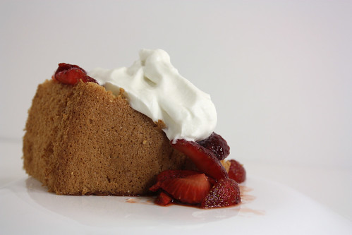 Side Chiffon Cake and Strawberries