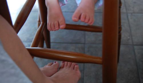 she got my weird feet