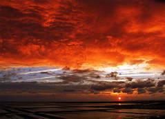 Burning Sky (st4rbucks) Tags: ocean sunset red sea beach strand meer sonnenuntergang schleswigholstein norddeutschland northerngermany westerhever nordfriesland