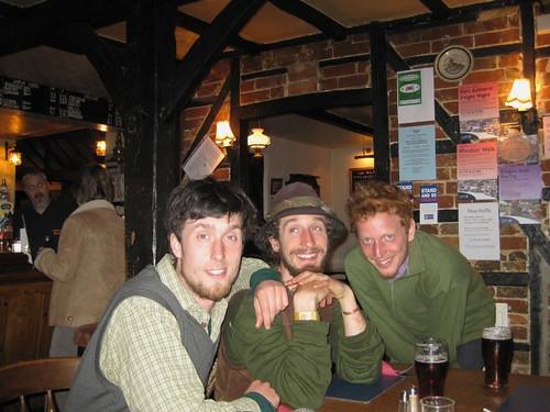 small-3-boys-dunsfold-pub