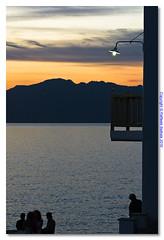 Tramonto a Myikonos il Lampione (ele153 - Raffaele Battista) Tags: tramonto mare grecia luci colori mykonos vacanze lampione balcone shiluette ele153