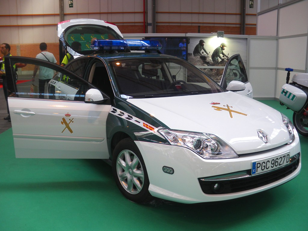 Guardia Civil De Trfico Zgz Tags Blue Espaa Car Lights Spain Cops With Guardia  Civil Trafico Zaragoza.