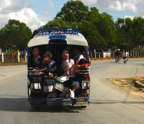 girls in tuk tuk.jpg