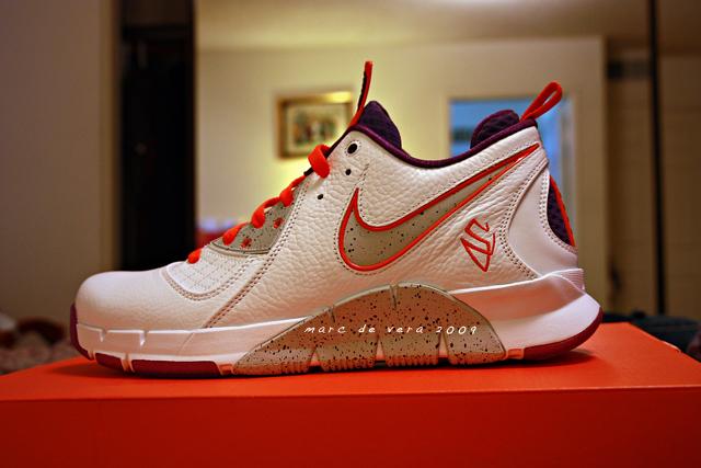Nike Zoom MVP(Steve Nash)   KD1 Thunder home away  c3727d66f8