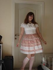 DSC05951 - Sweet Lolita Outfit (Kirayuzu) Tags: pink anna house rock outfit sweet rosa skirt blouse lolita loli raya selbstportrait wohnzimmer bluse selbstauslser sweetlolita annahouse