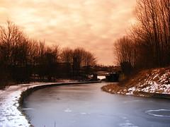 Photo walk 08/02/2009 (Clarky Snap) Tags: winter canal lancashire filter t1 burnley cokin gradual