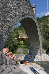 Under the brid(g)e (Luca Bobbiesi) Tags: bridge landscape bobbio
