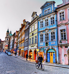 Mala Strana Prague (Edgar Barany) Tags: bridge nikon europe czech prague praha praga edgar czechrepublic soe hrad praag ceskarepublika republicacheca mesto nikond200 barany ceskarepublica golddragon edgarbarany