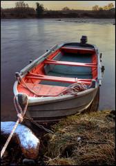 FrostyPinkBoatAtDawn... (angus clyne) Tags: dawn scotland rivertay perthshire flikcr rowingboat pinkboat mywinners platinumphoto tayboat dawnonthetay