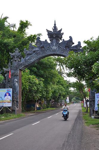 Lovina-The-Gate