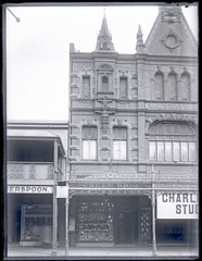 Exterior Green Bros. Jewellers, Hunter Street Newcastle, NSW, 6 September 1910 (Cultural Collections, University of Newcastle) Tags: shop newcastle store australia nsw 1910 jewellers hunterstreet hunterst ralphsnowball snowballcollection ralphsnowballcollection jewellersstore greenbrosjewellers greenbros asgn0495b21 greenbothers newcastleregionnswhistorypictorialworks photographynewsouthwalesnewcastle