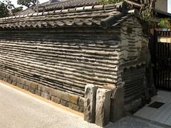 Tsuiji wall, Yanaka, Tokyo.JPG