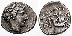 Scylla on a coin of Cumae (Kymaion) (petrus.agricola) Tags: coin scilla scylla cumae kyme skylla kymaion