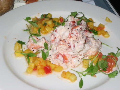 Lobster salad with pink grapefruit and mango salsa