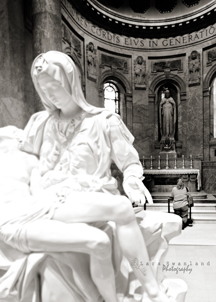 Praying with the Pieta