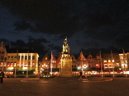 Markt at night
