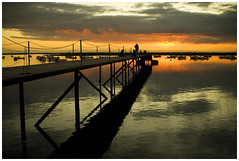 End of Sun-Day ( AnA oMeLeTe ) Tags: bridge sunset music reflection portugal water gua clouds canon faro pier day looking silk sigma prdosol end nuvens algarve ocaso oceano stereophonics 2470mmf28 anaomelete eos400d