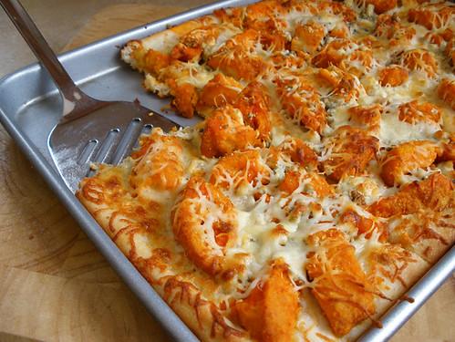 Buffalo Chicken Pizza | Kitchen Happiness