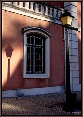 Street lamp - Candeeiro (* starrynight1) Tags: street pink sunset shadow building portugal window lamp wall ventana lampe farola streetlamp fenster rosa sombra finestra prdosol shade oeiras janela rua prdio fentre parede lampione edifcio candeeiro ilustrarportugal srieouro