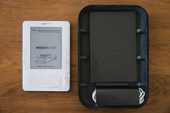 Kindle 2 -- Inner Package (Power Cord and Booklet)