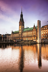 Hamburg, Germany (Wolfgang Staudt) Tags: travel bridge reflection water architecture buildings deutschland europa tripod hamburg earlymorning sigma wideangle firestone fleet hafen rathaus reflexions hamburgerhafen hafencity hanse hansestadt senat d300 historismus travelphotographie hamborg  grossstadt brgerschaft wolfgangstaudt 66111 nikond300 hamburk