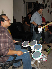 @kwz en la bateria, @chavaluria en la guitarra (Kurazaybo) Tags: slp sanluispotosi twitter