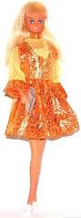 GOLD N' GROOVY (Virgin-Archer) Tags: vintage toys mod dolls barbie clone maddiemod teenagefashiondoll