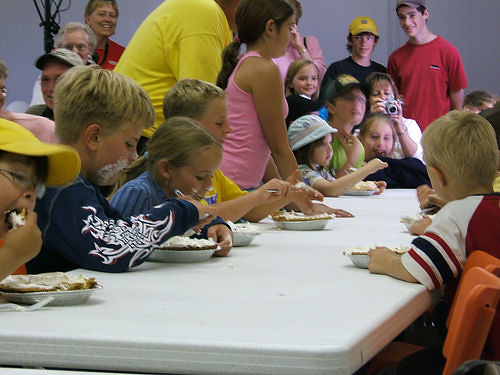 Kids Eating Pie by Search Engine People Blog, on Flickr