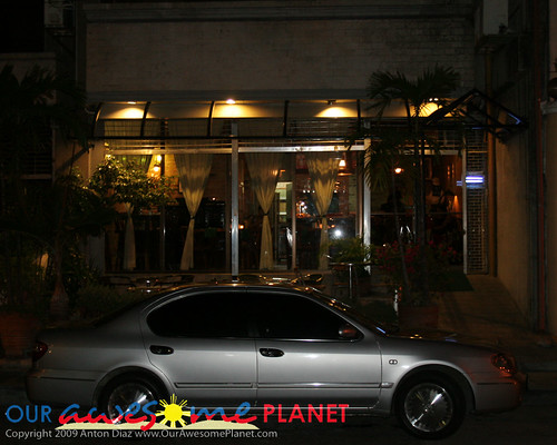Restaurant with No Name in Front of Saguijo-1