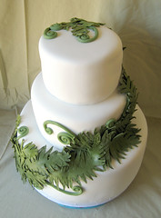 sugar fern wedding cake (ArtisanCakeCompany) Tags: birthday wedding fern green cake oregon portland shower cupcakes head weddingcake sugar special bakery fiddle salem occasion grooms artisan keizer bakeries fondant gumpaste cakeweddingfondantwhite artisancakecompany
