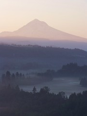 (McD22) Tags: morning usa mountain fog oregon sunrise mt northwest sandy snowcapped alpine mthood hood pacificnw sandyriver jonsrud wyeast jonsrudviewpoint