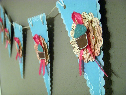 Cupcake Banner Bunting close