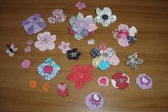 flores de tecido (anadenise) Tags: flores broche fuxico tictac tecido aplicaçao