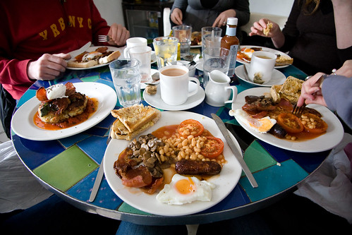 friends food sarah breakfast canon tomato mushrooms bacon... (Photo: lomokev on Flickr)