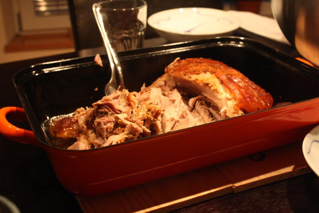 Schweinsbraten made by Mr. C ... nach einem Geheimrezept von der Omama ; ) / Traditional Austrian roast pork