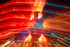 Christmas Burst (PuffinArt) Tags: christmas longexposure colors natal night cores lights nikon noite luzes puffinart d200 zoomburst vandamalvig nikkor18200vr
