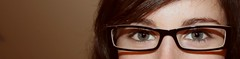 Four eyed monster (Chroc) Tags: espaa laura green valencia girl face glasses see spain eyes chica view cara oeil yeux spots ojos crocodile vista gafas mirada lunettes espagne auge lentes blick verdes grne visage ver brillen pecas verts mdel foureyedmonster dioptrias chrocodile chroc