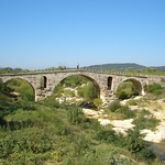 2005-09-17 10-01 Provence 216 Pont Julien thumbnail