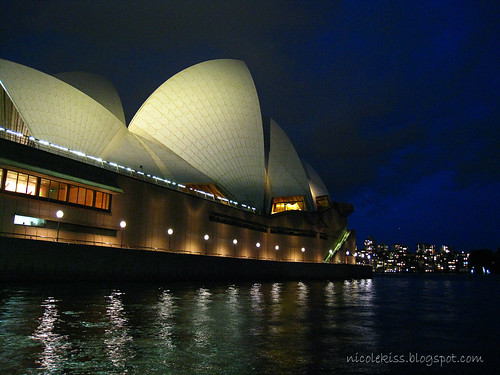 sydney opera house late evening wallpaper