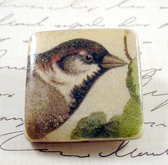 Small Vintage Bird Illustration Brooch 3