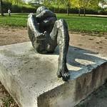 skulptur schlossberg liegender akt thumbnail