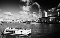 City Cruises (Philipp Klinger Photography) Tags: county city uk bridge england sky bw white black london eye water westminster wheel thames clouds river aquarium boat hall big europe ship ben britain united great kingdom parliament ferris gb dali universe cpl eyeoflondon abigfave anawesomeshot aplusphoto