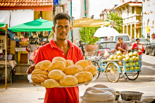Poori (Puri) Bread (by Christ tell)