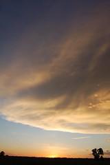 05-29-09 Picture Perfect Thunderstorm Sunset!!! (NebraskaSC Photography) Tags: nikond50 severeweather buffalocounty stormchase kearneynebraska weatherphotography nebraskathunderstorms therebeastormabrewin dalekaminski cloudsstormssunsetssunrises nebraskasc nebraskastormdamagewarningspottertrainingwatchchasechasersnetreports