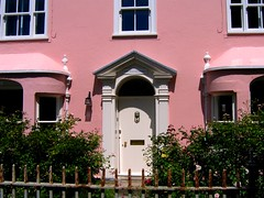 Now That's Pink! - The Old Vicarage in Rye, East Sussex (UGArdener) Tags: pink england english unitedkingdom britain july rye summertime eastsussex stmaryschurch pinkhouses cobblestonestreets churchsquare oldvicarage englishtravel