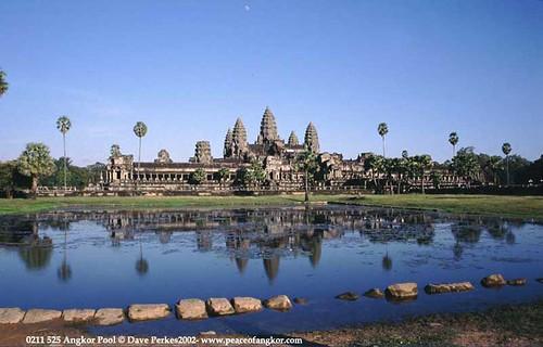 Angkor Wat  by daveperkes