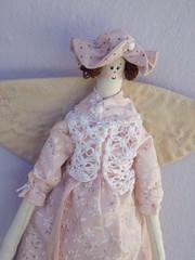 vamos a paris?? GO TO PARIS? (AP.CAVALARI / ANA PAULA) Tags: angel bonecas dolls fabric patchwork anjos tecido anjas fabricdolls anapaulacavalari bonecasdetecido apcavalari