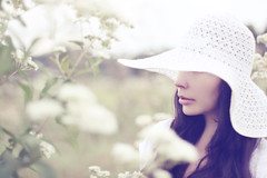 Merely a Ghost of her (AnnuskA  - AnnA Theodora) Tags: flowers portrait white hat dress bokeh poetic mysterious brunette poetique wildwhiteflowers